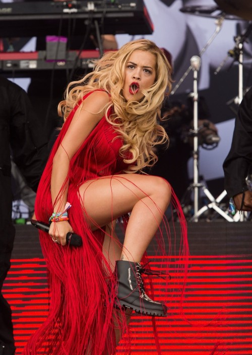 rita ora at glastonbury luxury 70s boots Glastonbury